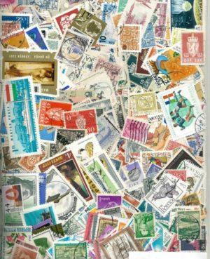 3280 világ bélyeg duplákkal (2167 klf. kisalakú bélyeg egy csomagban)